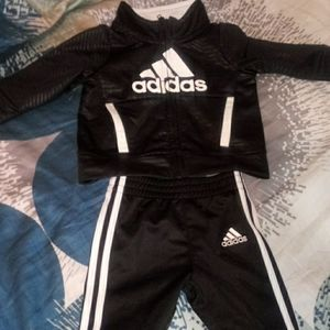 3months addida sweat suit